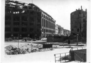Schwarz/Weiss Aufnahme, Berlin, zerstörte Häuser