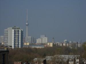Blick vom Dach auf den Fernsehturm