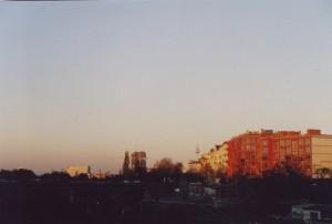 Blick über die Bahntrassen Richtung Potsdamer Platz, im Hintergrund der Fernsehturm