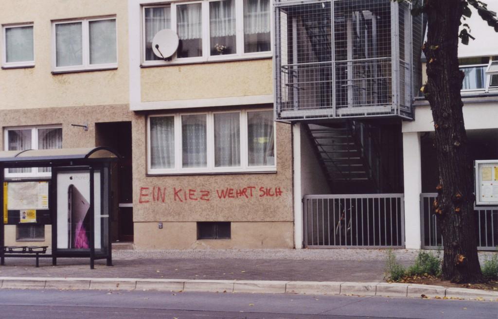Graffiti-Schriftzug an einer Hauswand: Ein Kiez wehrt sich