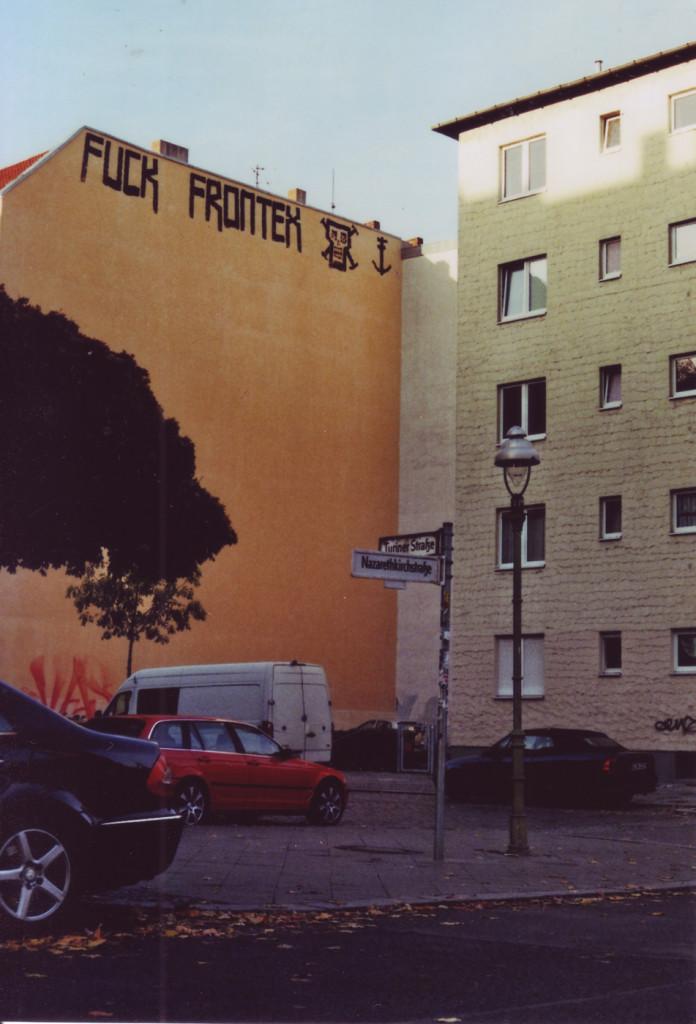 Graffiti an einer Brandmauer: Fuck Frontex